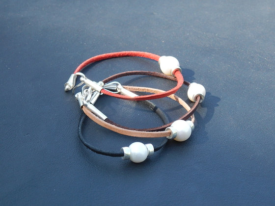 Fresh Water Pearl bracelet with 2mm cord