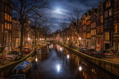 Moon on Canals
