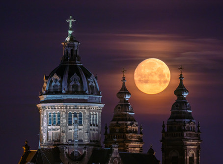 The 2019 Super Moon in Amsterdam