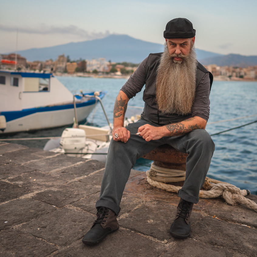Portraits in the Harbour of Catania