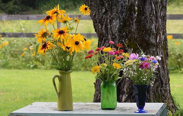 three-types-of-bouquets.jpg