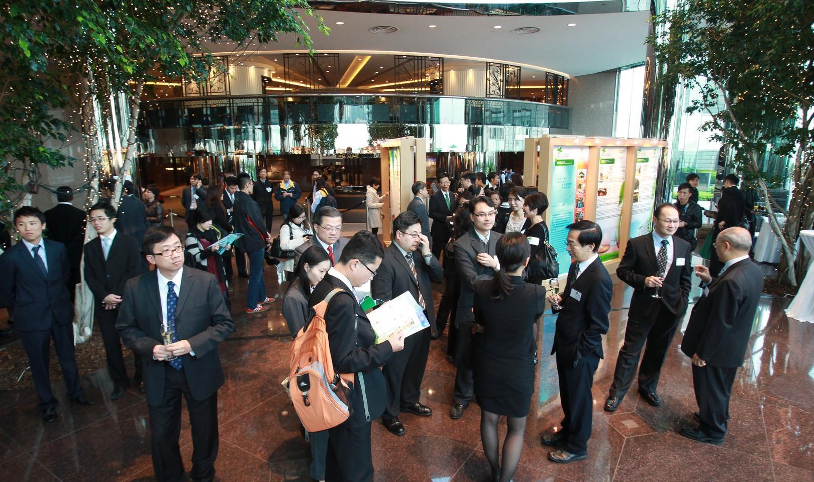 HKGA201102.jpg