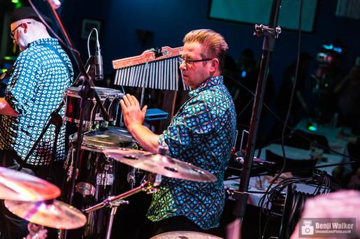 Billy Bongo - Percussion