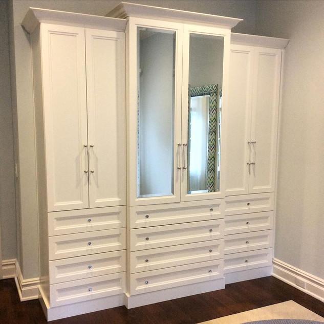 WARDROBE CLASSIC WHITE SHAKER DOORS MIRR