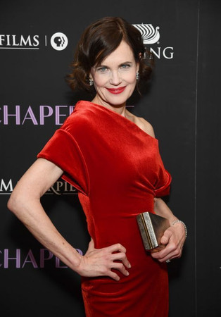 elizabeth-mcgovern-the-chaperone-premier