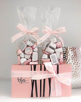 Little wrapped packages of pure chocolat