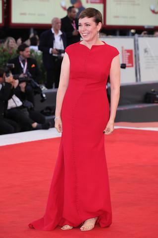 Olivia+Colman+Award+Ceremony+Red+Carpet+