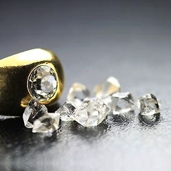 learn about characteristics of rough diamonds on this course