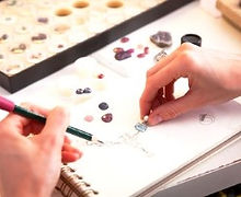 How to choose gemstones for jewellery designs - course