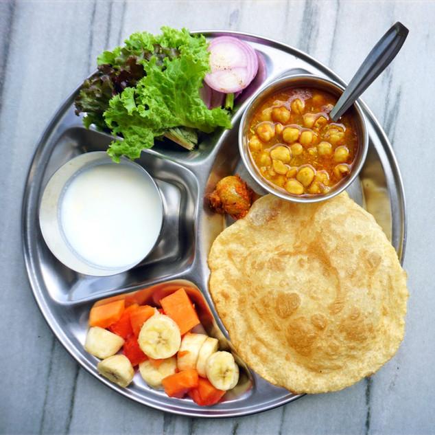 Breakfast at Phool Chatti Ashram
