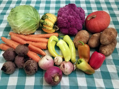 Week 15: Purple Cauliflower, Carnival Squash, Buttercup (Sunshine) Squash, Russet Potatoes, Beets, Turnips, Sweet Banana Peppers, Gypsy Peppers, Carrots, Cabbage