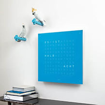 QLOCKTWO_CLASSIC_BLUE_CANDY_Ambient_DE_A