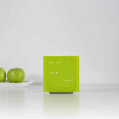 QLOCKTWO_TOUCH_LIME_JUICE_ambiente_DE_we