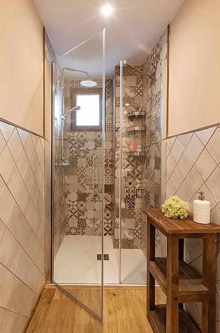 reforma integral de baño estilo rustico.