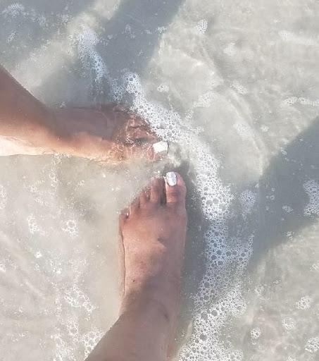 Beach toe dip starring Yaa + Juan!
