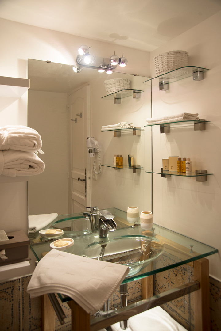 maison-hotes-de-charme-salle-de-bain-terrasse-la-roque-gageac-sarlat.jpg
