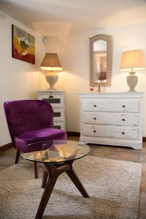 maison-hotes-de-charme-salon-luxe-suite-