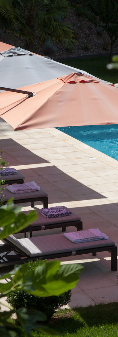 bed-and-breakfast-view-pool-heated-Sarlat-la-Roque-gageac.jpg