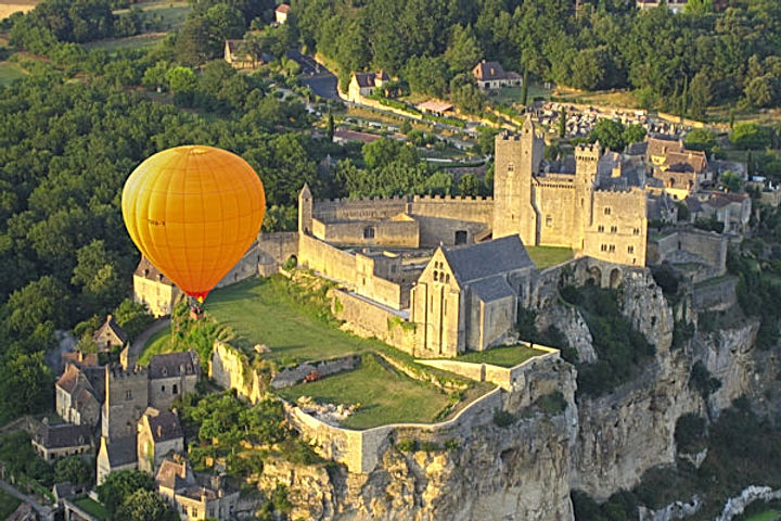 perigord sarlat hot air balloon flight