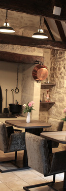 guest-and-house-charm-living-room-fireplace-sarlat-la-roque-gageac-dordogne.JPG