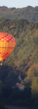 bed-and-breakfast-view-air-balloon-dordogne-sarlat-la-Roque-gageac.jpg