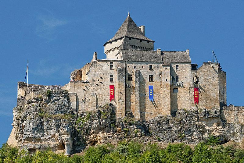 black valle dordogne perigord castle