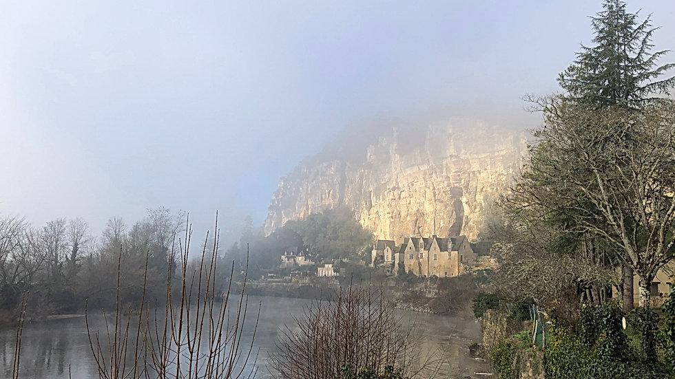 chambre-hote-vue-riviere-automne-perigor