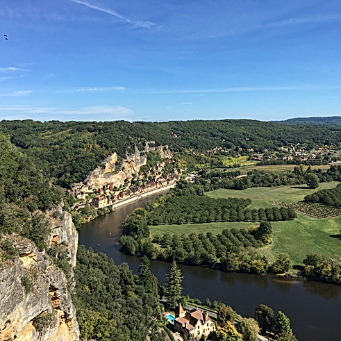 la roque-gageac village dordogne river