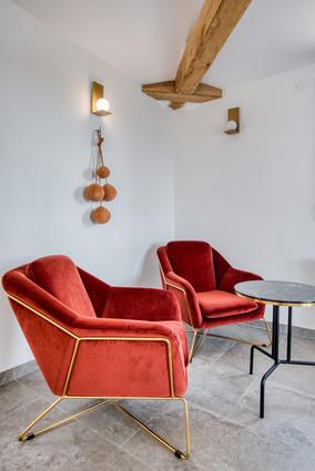 maison-hotes-de-charme-salon-confort-det