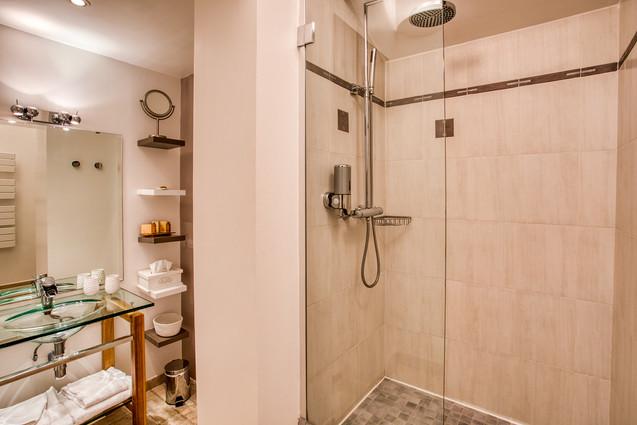 chambre-hotes-salle-de-bain-douche-itali