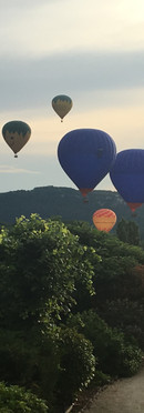 bed-and-breakfast-air-balloon-night-Dordogne-Sarlat-la-Roque-gageac.jpg