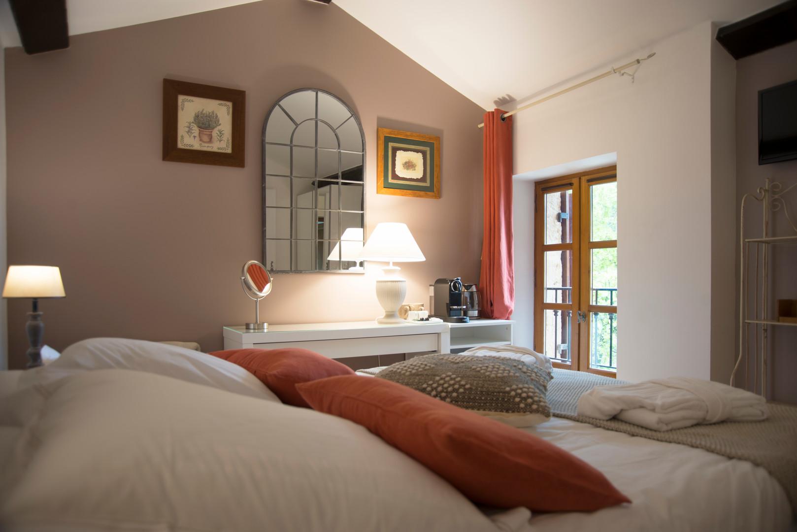 maison-hotes-de-charme-chambre-discrete-la-roque-gageac-sarlat.jpg