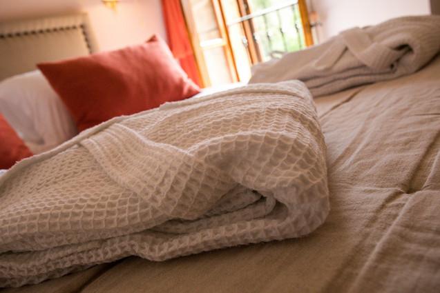 peignoird-hotes-chambre-la-discrete-dord