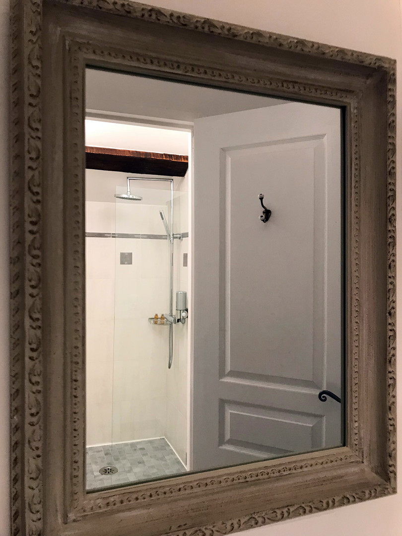 maison-hotes-de-charme-chambre-discrete-douche-italienne-separee-la-roque-gageac-sarlat.jpg