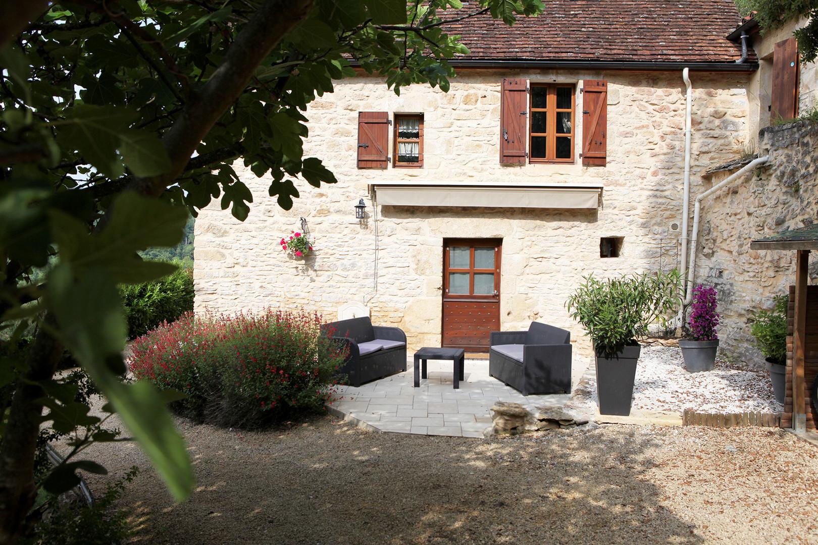 maison-hotes-de-charme-suite-terrasse-privative-la-roque-gageac-sarlat.jpg