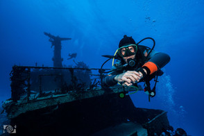 wreck deep dive.jpg