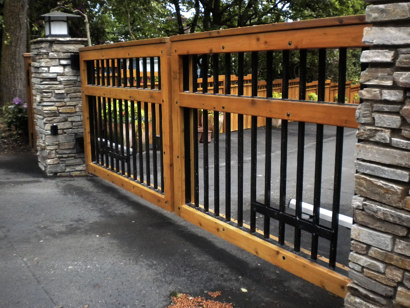 Residential Fence Staining