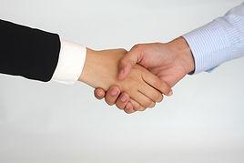 ייעוץ בעסקים מקשרת עבור לקוחותיה,הזדמנויות עסקיות