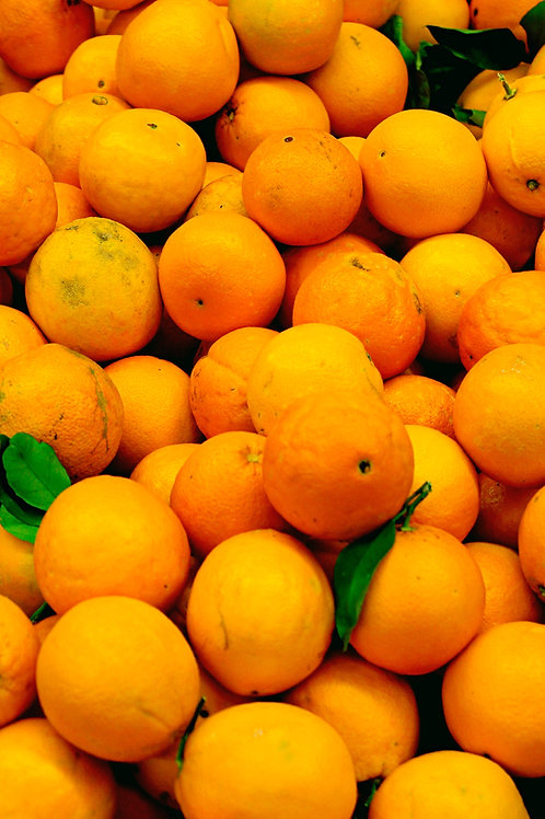 Local caracara oranges