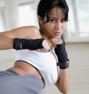 Frau bei Fitnessübung