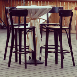 Cocktail Table with Barstools