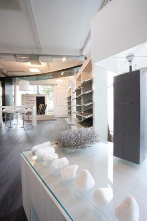 pak, projectrealisatie, projecten,interieur, displays, solidfloor, showroom, amsterdam