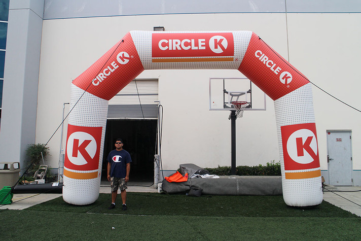 5k-inflatable-arch.JPG