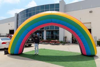 inflatable-rainbow-arch.JPG