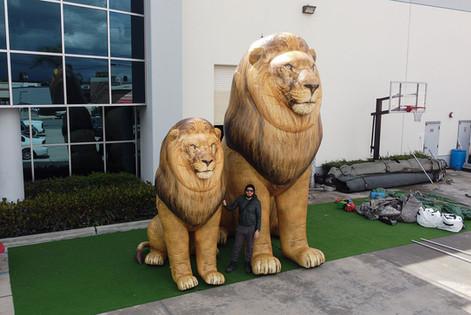 giant-lion-props.JPG