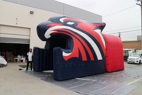 Inflatable tiger head tunnel run through