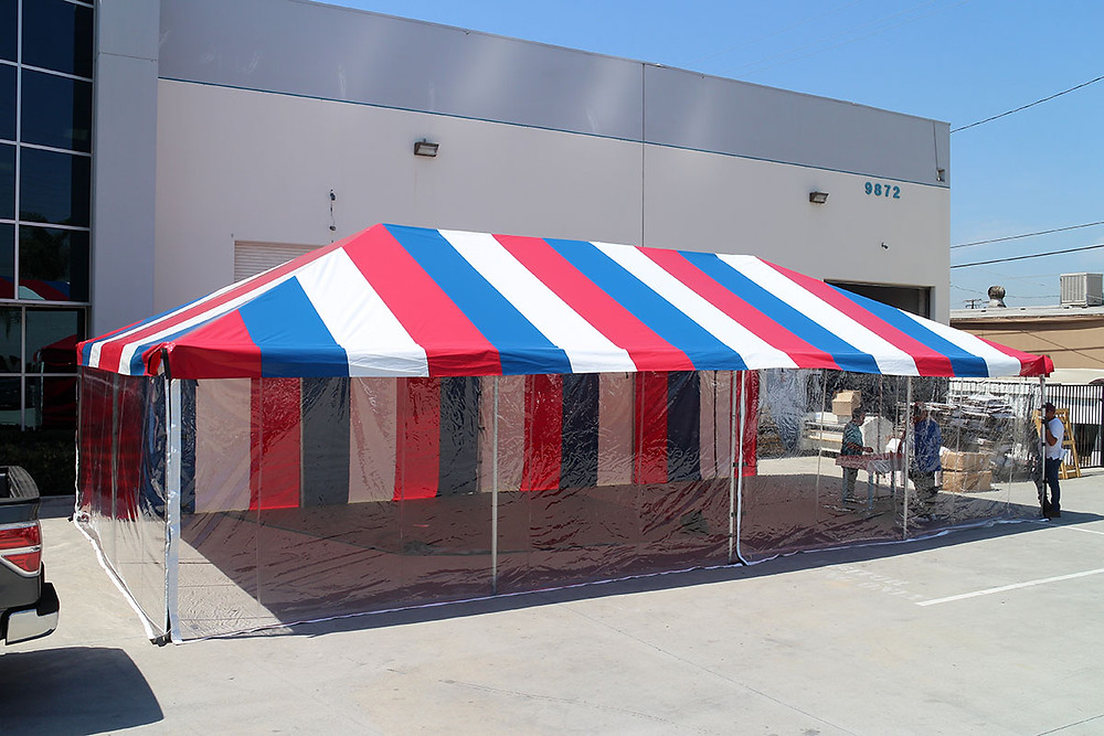 Commercial restaurant tent with clear walls