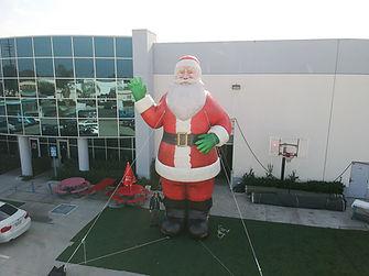 christmas-inflatables-santa-claus.JPG