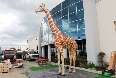 inflatable-giraffe.JPG