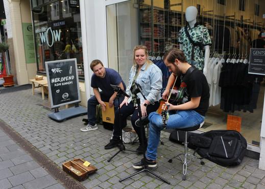Trio Jong Belegen - Akoestische Covers